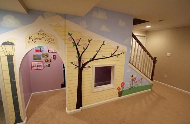 KIDS UNDER STAIR PLAYHOUSE DIY IDEAS