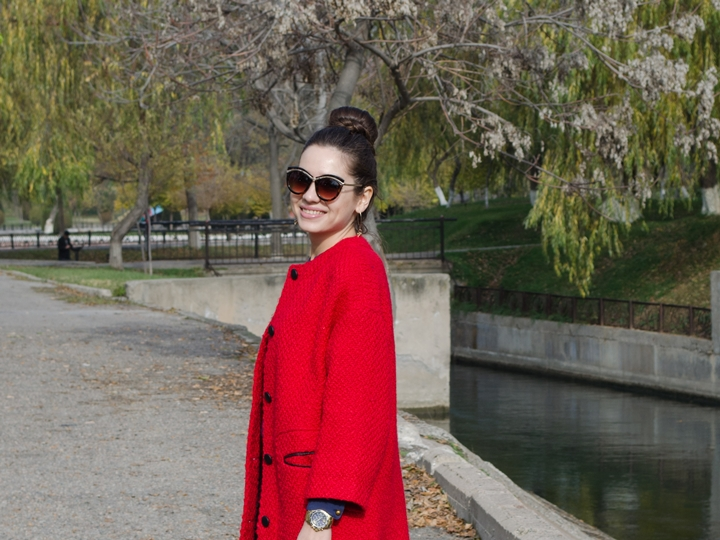 fashion_blogger_diyorasnotes_look_of_the_day_red_mood_asos_coat_loafers_new_look
