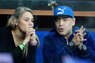 Jogador Argentino Diego Maradona morre aos 60 anos