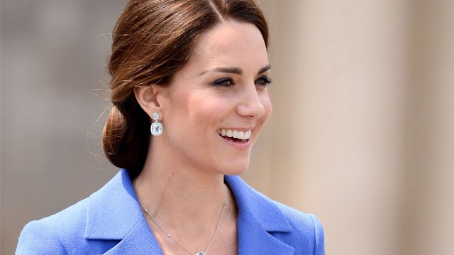 Perhiasan Mahal Hadiah Pangeran Charles Untuk Kate Middleton