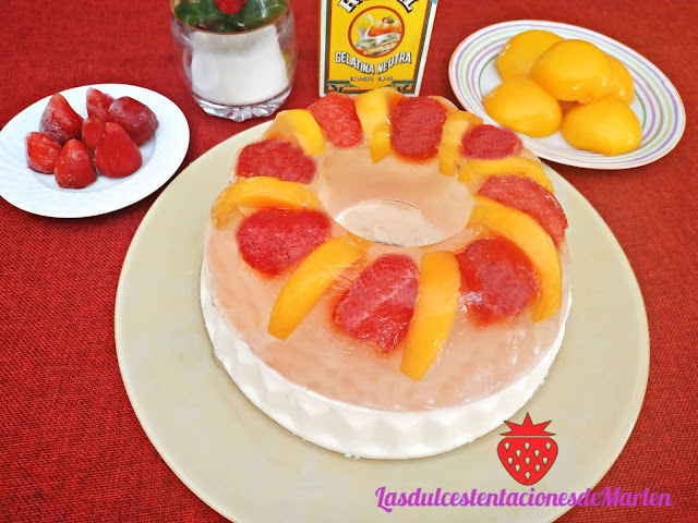 Gelatina  con Frutas y Queso