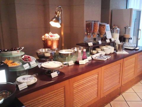 ビュッフェコーナー:デザート ホテルエミシア札幌カフェ・ドム