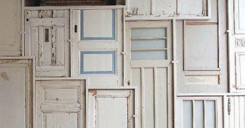 la quincaillerie paris au quartier latin un mur de portes. Black Bedroom Furniture Sets. Home Design Ideas