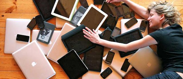BAHAYA!!! 10 Kebiasaan Buruk Jangan Melakukan Pada Smartphone Anda