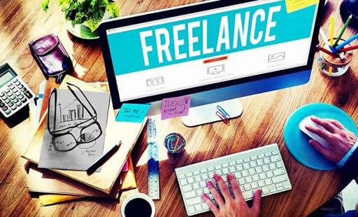 Tasarımcılar İçin Freelance Para Kazanma Yolları