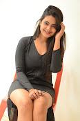 Neha deshpande new sizzling pics-thumbnail-14