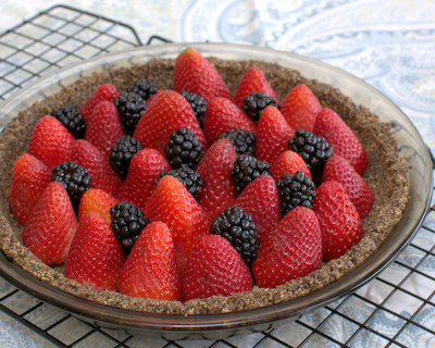 Fresh Strawberry Pie ♥ KitchenParade.com, with a homemade chocolate cookie crumb crust, cool, light and refreshing. Only 200 Calories. Weight Watchers Friendly. Make It Today, Serve It Tomorrow. Low Cal. Low Carb.