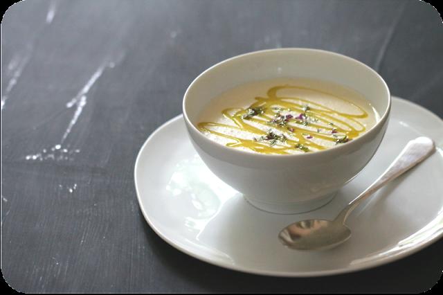 Weiße Bohnencrèmesuppe mit Olivenöl und Thymian | Arthurs Tochter kocht von Astrid Paul