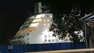 मुंबई में बीच समंदर में 'दम मारो दम...', जहाज में रेव पार्टी पर NCB के छापे से हड़कंप, कई गिरफ्तार, ड्रग्स जब्त