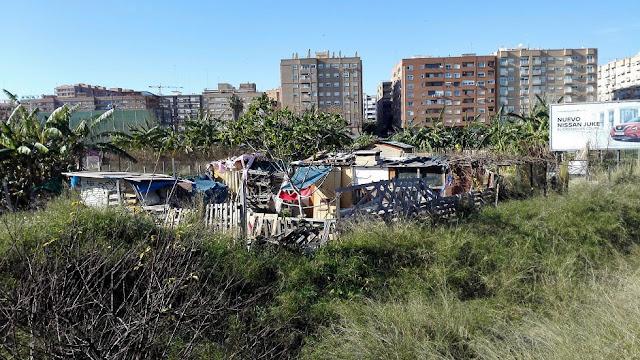 imagen 8: En Benimaclet sigue las mismas pautas que en otras ciudades y pueblos de la Comunidad Valenciana: Masías, casas y tierras ocupadas, chabolas construidas en solares.