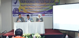 Staf Ahli Gubernur Jambi Bidang Kemasyarakatan Dan SDM Secara Resmi Membuka Forum Komunikasi Fasilitator Pasar Aman.