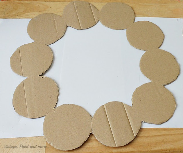 Vintage, Paint and more... a cardboard template used to glue vintage jello molds to for a vintage Christmas wreath