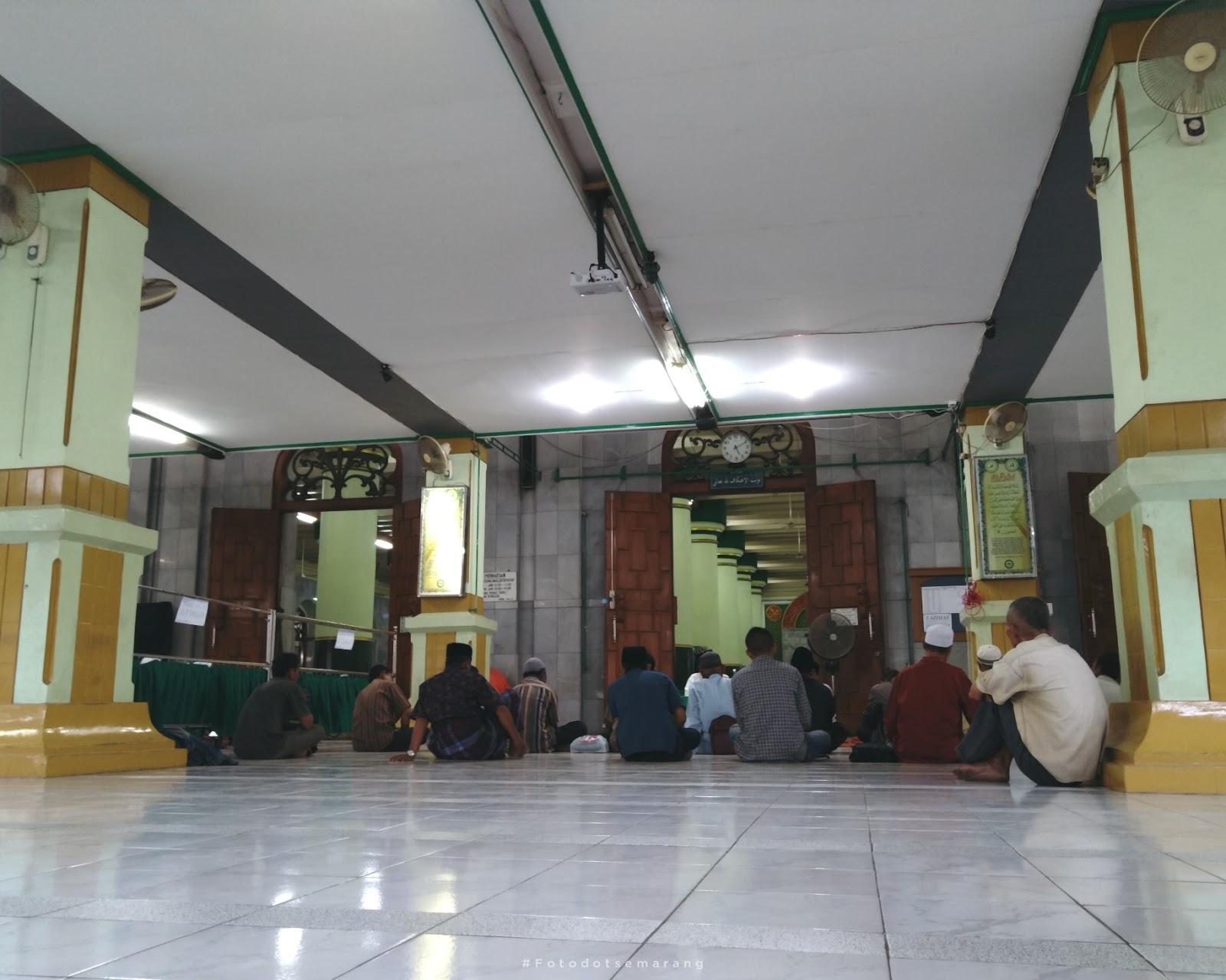 Buka Puasa di Masjid Agung Semarang, Sore yang Selalu Ramai