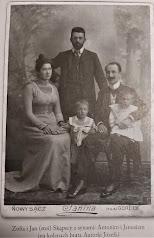 Zofia i Jan Skąpscy z bratem Zofii i dziećmi