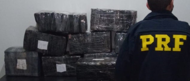 PRF apreende 199 quilos de maconha em Guaíra (PR)