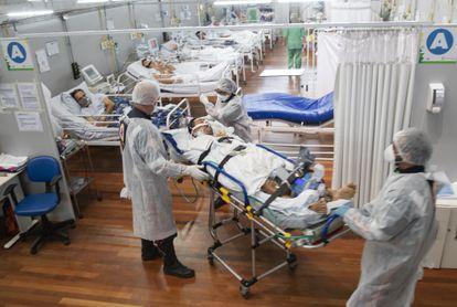 Hospitales al borde del colapso y unidades UCI casi saturadas.