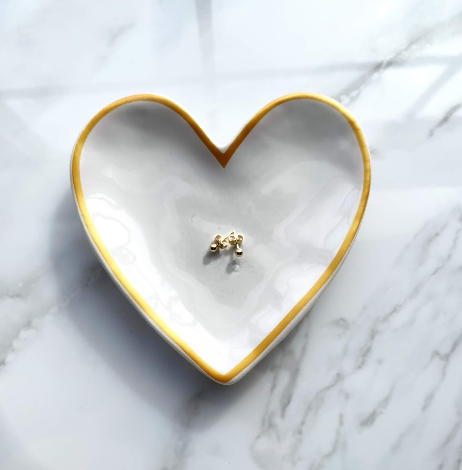 AU-Rate Gold stud earrings #ad