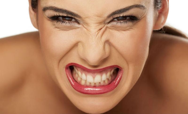 Streslenmeniz çenenize de zarar veriyor