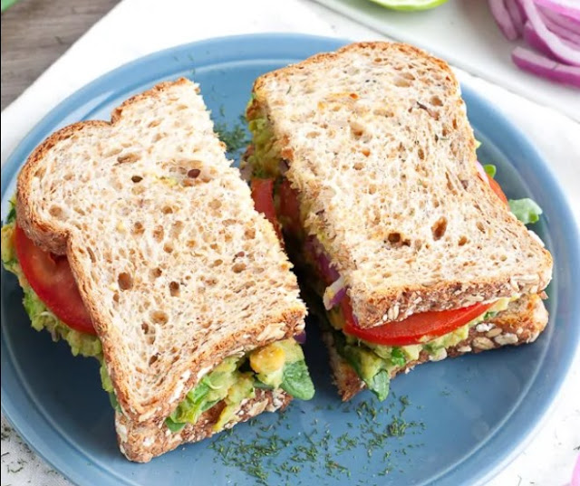 Chickpea Avocado Sandwich #vegan #lunch