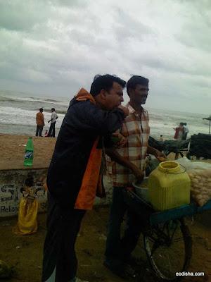 Having Gol Gappa(Paani Puri) at Konark Beach