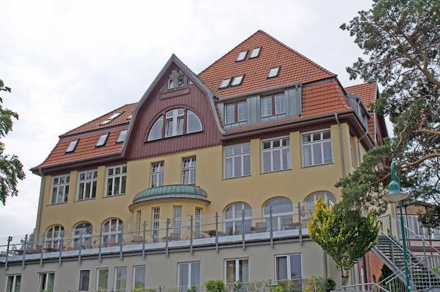 apartamenty Herginsdorf, powojenne wille, detale miasta