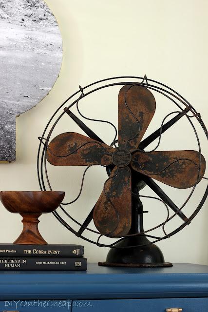 Vintage 1930's desk fan.