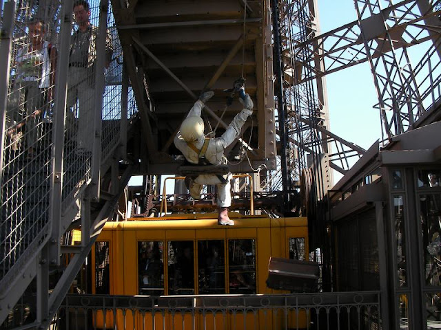 ascensor torre eiffel