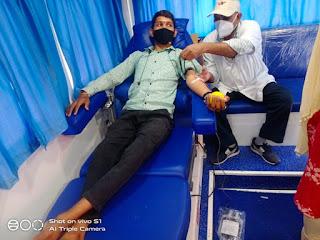 लॉक डाउन में ब्लड की कमी को देखते हुए जीवन धारा रक्तदान ग्रुप ने लगाया एमरजेंसी रक्तदान शिविर
