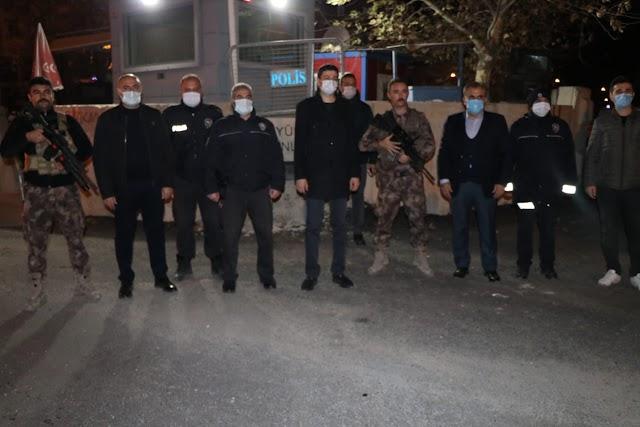 Yeni yılda güvenlik güçlerini ve sağlık çalışanlarını ziyaret ettiler