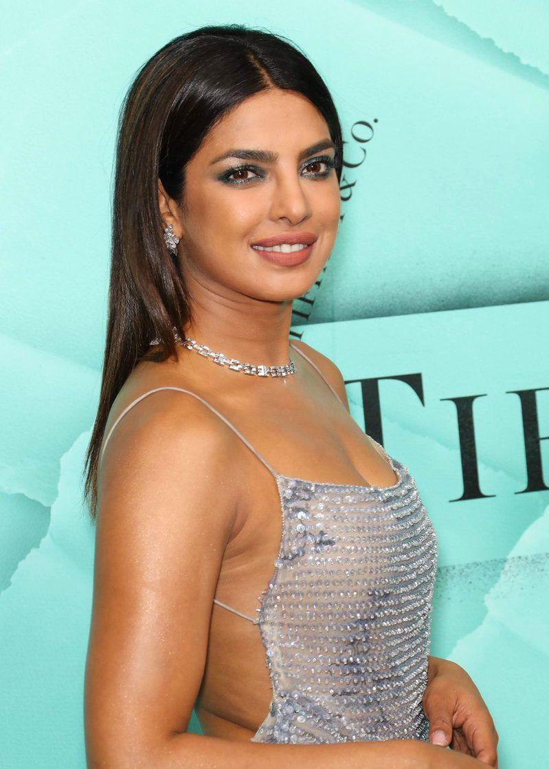 Priyanka Chopra hot and sexy photos - Sexy Hot Images