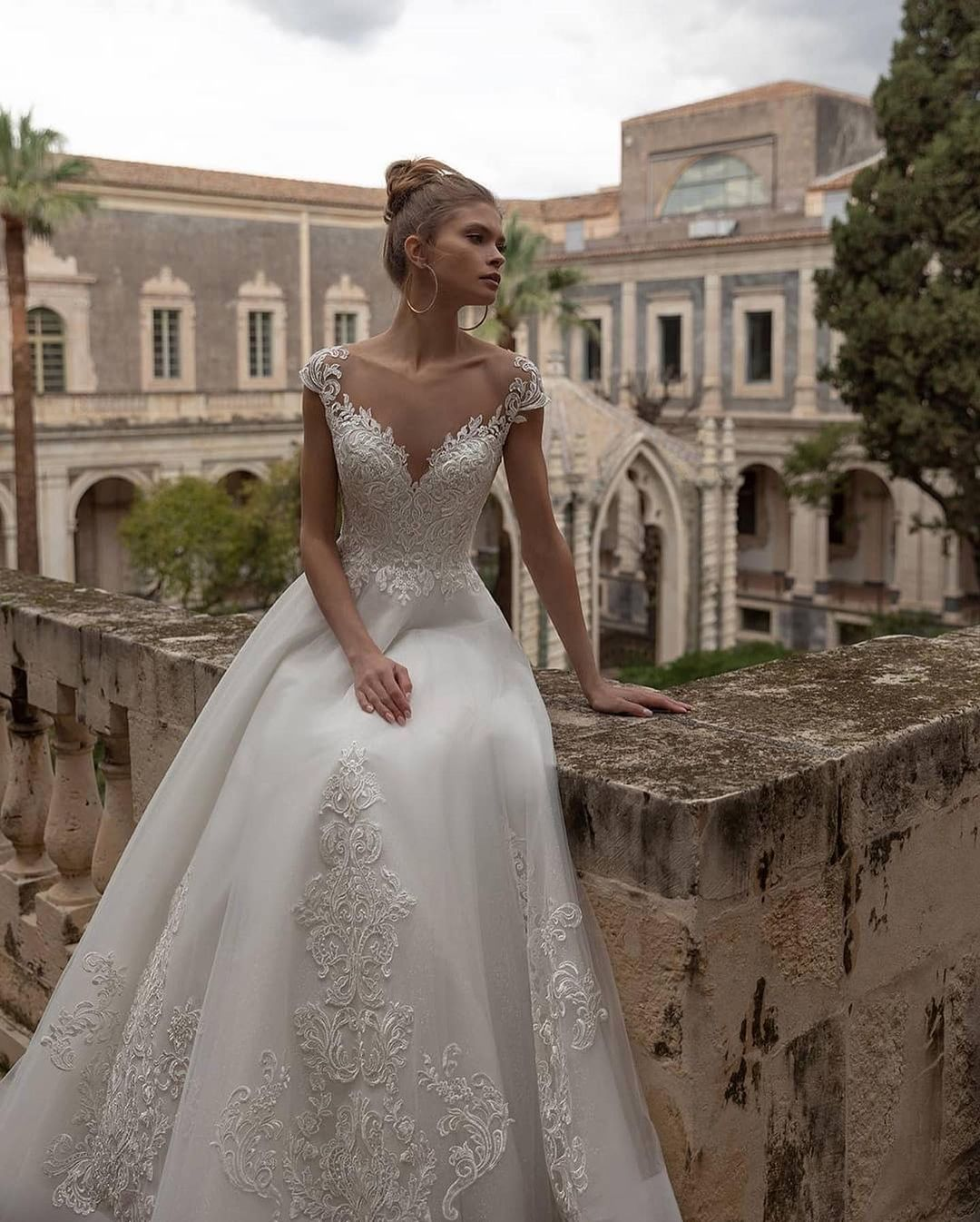 Voluminous lace wedding dress 2021