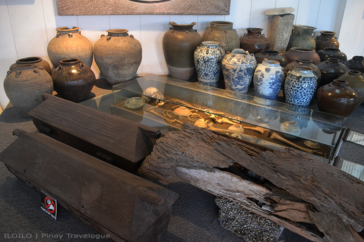 Burial relics displayed at Museo Iloilo