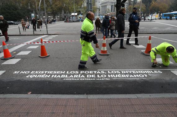 Versos Al Paso Mapa.Mapa Para Recorrer Y Leer Los 1 100 Versos En Los Pasos De Peatones Ocio Por Madrid