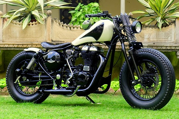 ϟ Hell Kustom ϟ: Royal Enfield 350 Classic By Rajputana