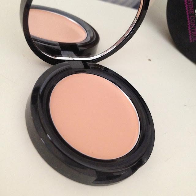 Seventeen Phoawrrr Paint Concealer Review