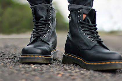 Tetap Terawat, Ini 5 Tips Membersihkan Sepatu Docmart dari Dr. Martens