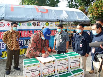 SKK Migas-PetroChina Serahkan 1.000 Paket Sembako ke Tim Gugus Tugas Covid-19 Provinsi Jambi