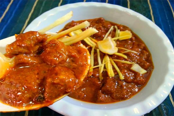 Famous Food of Madhya Pradesh: इन व्यंजनों में आती है मध्य प्रदेश की महक