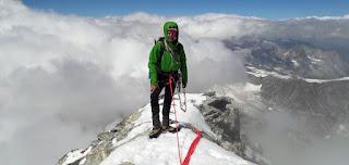 En la cima del Pico Cervino