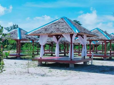 Gazebo Pantai Nirwana Barelang
