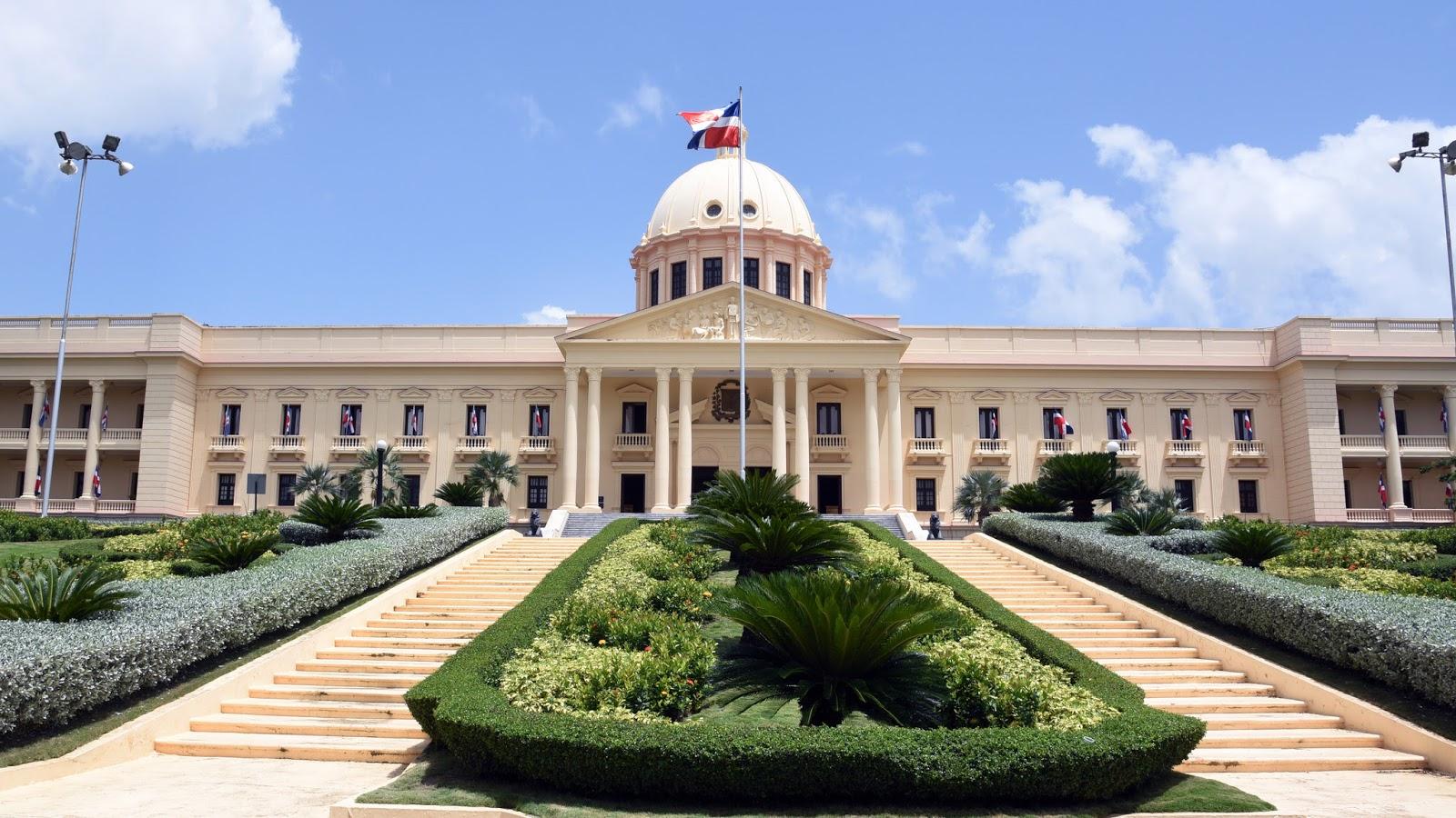 Presidente Danilo Medina deroga designación Van Troy Suazo como viceministro de la Juventud