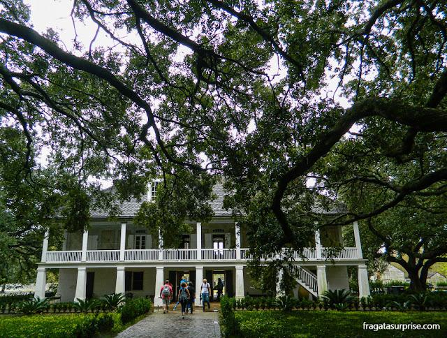 Casa-grande da fazenda histórica Whitney Plantation, na Luisiana