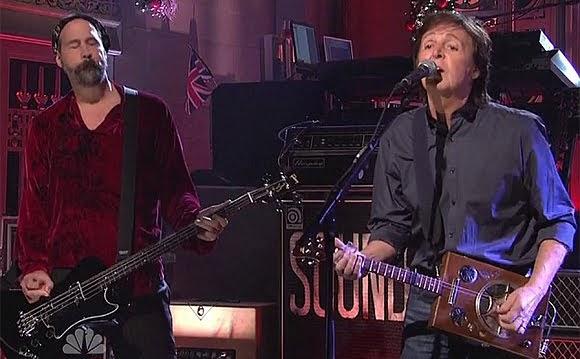 Deuxième apparition de Paul McCartney et des musiciens de Nirvana