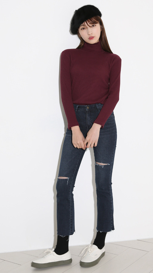 Slashed Crop Hem Jeans