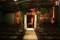 casamento com cerimônia e recepção no salão magnólia do di basi casa de festas em porto alegre cerimônia externa no deck decoração boho rústico chique em tons de laranja vermelhe e amarelo tons terrosos por fernanda dutra eventos