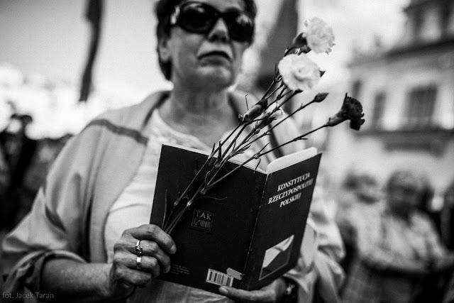 20 rocznica konstytucji, cala Polska czyta konstytucje Krakow