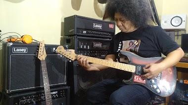 Materi scales atau skala apa saja yang perlu di pelajari pada instrument gitar elektrik