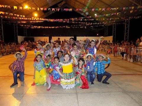 Arraiá Tradição do Sertão da Tancredo Neves fecha festejos juninos das escolas municipais
