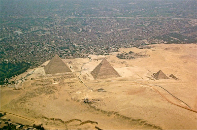 Giza Plateau cleaned of garbage and dung