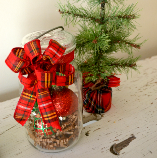 Make a DIY Vintage Jar Holiday Hostess Gift